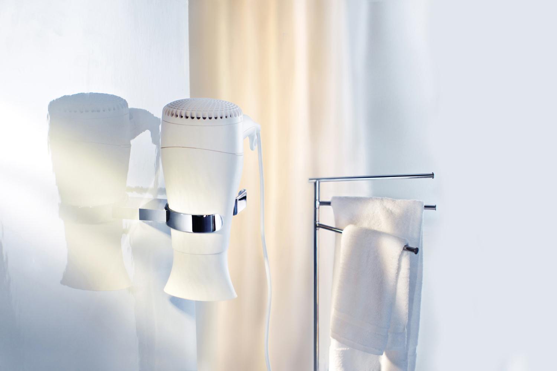 SMEDBO Air Fön- und Glätteisenhalter